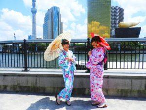 中国と台湾からのお客様です\(^_^)/紫とブルーとピンクの浴衣をお選び頂きました!帯結びもアレンジさせて頂きました!とても可愛いいです💖浴衣体験ありがとうございます。楽しんで下さいね~