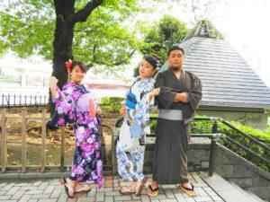 台湾からのお客様です\(^_^)/日本伝統的な浴衣を体験して頂きました!鮮やかでとてもお似合いです(*^ー^)ノ♪浅草散策楽しんで下さいね❤