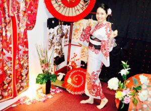 台湾からお越しのお客様です💗伝統的な和柄の浴衣をお選び頂きました💕日本旅行楽しんで下さいね 來自台灣的客人,選擇了紅色櫻花傳統花紋的浴衣~很適合您唷!!祝您在日本旅行順心愉快~💗