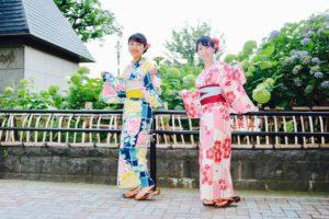 それぞれ伝統的な浴衣を上品に着こなして頂きました。とても素敵です💕浅草散策楽しんで下さいね😊 兩位都選了傳統花紋的浴衣,非常可愛適合兩位。祝您在淺草觀光愉快