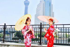 海外からお越しのお客様です💕 みなさん華やかな浴衣をお選び頂き浅草観光です(*^▽^*) 日本旅行楽しんで下さいね😊✈️ 來自海外的客人,大家都選了華麗顏色的浴衣,非常適合慢步在淺草,很可愛很適合兩位,祝您在日本旅遊順心愉快。💕