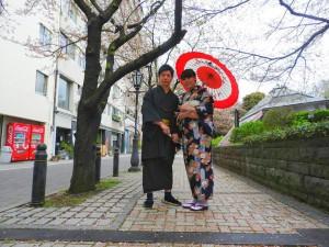 台湾からのお客さまです(^-^)v春らしい和柄のお着物がとても可愛いですね\(^o^)/着物体験ありがとうございます桜満開を楽しんでくださいね♪