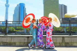艶やかなお着物です\(^_^)/伝統的なスタイルで、とても可愛いですね♪又いらしてくださいね(*^^*)