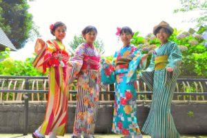 カラフルな着物をお選び頂きました(^^) 皆さん個性のある着物で、和服美人です。(*^ー^)ノ♪