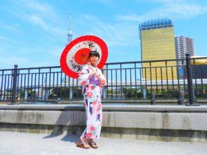 台湾からのお客様です。赤色の浴衣がとても可愛いいです\(^_^)/ ヘアーセットもいたしました!体験ありがとうございます(*^ー^)ノ♪