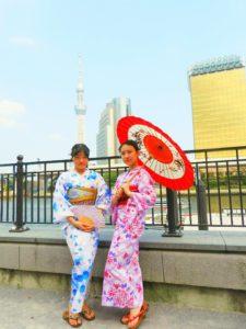 中国からのお客様です。2回目のご利用ありがとうございます。\(^_^)/可愛いい浴衣をお選び頂きました!日本の夏を体験して下さい(*^ー^)ノ♪ 中国的客人,现在是在日留学生,带着朋友和家人第二次光临本店。感谢您的信任,闺蜜的最佳配色粉色加蓝色组合(^_^)祝你们今天玩的愉快,记得多照美照于我们分享啊!(^_^)