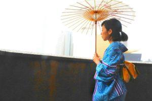 和柄の傘に、麻の葉模様の着物と涼しげな浴衣がとてもお似合いです\(^_^)/