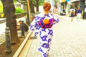 涼しげな浴衣着物をお選び頂きました(^^) 浅草レトロモダンですね(*^ー^)ノ♪散策楽しんで下さいd=(^o^)=b