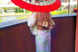 亀甲の浴衣を上品に着て頂きました(^^) 和柄の傘と浴衣着物が、とても爽やかで素敵です💖東京観光楽しんで下さいね(*^ー^)ノ♪