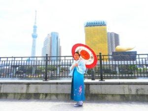 台湾からのお客様です。袴をお選び頂きました(^^)涼しげな寒色系のお着物です\(^_^)/袴体験ありがとうございます(*^ー^)ノ♪