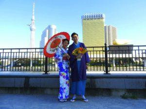和柄模様のお着物に羽織に和服をお選び頂きました。 日本伝統和服体験ありがとうございます(^^) 和柄模様的和服樣式超級日本風哦!藍色系列的情侶裝是秋季最佳,希望今天的和服體驗給您留下美好的回憶!