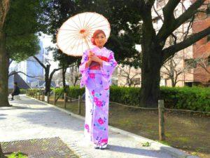 マレーシアからのお客様です。可愛いお着物を体験して頂きました(^^)とても可愛らしくて、お似合いです♪東京観光楽しんで下さいね\(◎o◎)/ 來自馬來西亞的客人(^o^)v客人說她的夢想就是想穿和服,今天能體驗到夢寐以求的和服,開心的擺了很多 pose 拍了很多紀念照片呢!相信能讓您留下美好又深刻的回憶•̀.̫•́✧