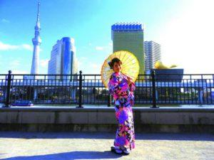 台湾からのお客様です。パープルね振袖柄のお着物をお選び頂きました(^^)和服体験初めてだそうです。次回は本振袖にチャレンジ! 東京観光楽しんで下さいね\(◎o◎)/ 來自台灣的客人^.^客人第一次體驗和服,選擇了紫色振袖柄的和服,顏色艷麗,拍起照來更加閃閃動人呢!紫色系列款的和服真的很受歡迎 !下次再體驗振袖和服款式喲!!東京旅遊開心喲!