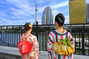 レトロモダンなお着物をお選び頂きました(^^) 市松模様の桜に、たて線のお着物が、ヘアーセットにマッチしてます。とても素敵です\(^_^)/