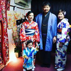#香港 からお越しのお客様です。#和服 を御家族で #体験 していただきました。#日本旅行 を楽しんで下さい\(^-^)/ 來自香港的客人,一家人來日本旅行,體驗日本文化(^o^)小男孩穿著和服可愛極了呢!日本旅遊愉快喲(^^)