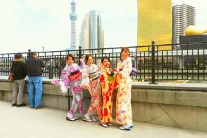 艶やかなお着物に、帯もアレンジさせて頂きました????とても素敵ですね\(^o^)/桜開花中!楽しんでくださいね(σ≧▽≦)σ