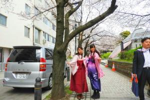 お客さまお持ちの袴お着付け致しました。桜色の袴で可愛いですね(*^▽^)/★*☆♪