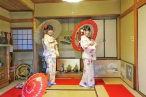 艶やかなお着物がとても素敵ですね\(^o^)/特別室にてのお写真撮影を楽しんで頂きました????桜の花びらが色どって素敵ですね\(^o^)/