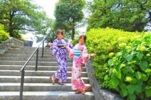 今日は夏日なので可愛い浴衣をお選び頂きました~💕ピンクと紫の浴衣がとてもお似合いです(~▽~@)♪♪♪