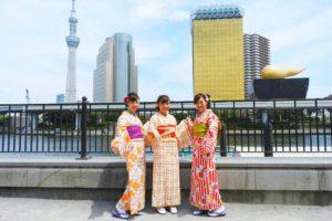 女子会で着物散策で、ご利用いただきました。とても可愛いいお着物をお選び頂き、ありがとうございます\(^_^)/ 浅草食べ歩き楽しん下さいね\(^_^)/