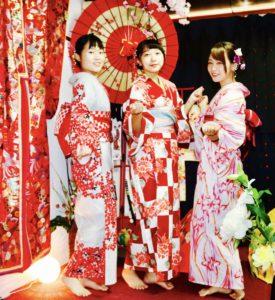 台湾からお越しのお客様です。😊和服体験ありがとうございます👘楽しそうでしたね(*^▽^*)🌸🌸😍  來自台灣的客人們,謝謝你們來體驗和服,祝您們在淺草逛的愉快喔!