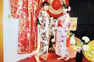 女子会で夏浴衣をお選び頂きました。日本伝統的な上品な花柄です。雷門、浅草寺で大変人気度が高いそうです。ありがとうございます😊  女子聚會一同來本店體驗夏日浴衣,選擇日本傳統的高雅花洋,在雷門、淺草附近似乎被拍了很多照片,謝謝您