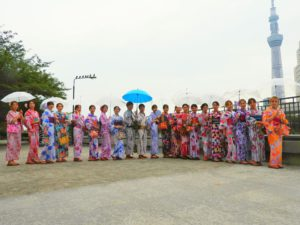 韓国からの団体様です\(^_^)/皆さん艶やかで素敵な浴衣をお選び頂きました!着物体験ありがとうございます。また是非皆さんで日本にいらして下さいね(*^ー^)ノ♪