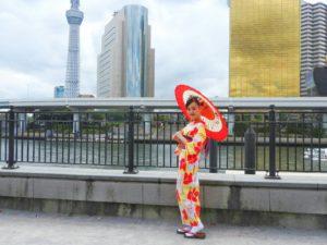 中国からのお客様です\(^_^)/大柄で色鮮やかの中でも伝統を感じる浴衣をお選び頂きました!浅草散策楽しんで下さいね(*^ー^)ノ♪