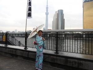 中国からのお客さまです(^-^)v春らしいお着物がとても可愛いですね\(^o^)/浅草散策楽しんでくださいね(σ≧▽≦)σ