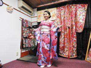 日本伝統的な振袖プランをお選び頂きました。( ^-^)ノ∠※。.:*:・'°☆とてもお似合いで素敵です一早就來體驗的客人,選擇了振袖和服,相當和襯