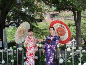 上海からのお客様です\(^_^)/浴衣と着物をお選び頂きました。可愛いい和柄がとてもお似合いです\(^_^)/