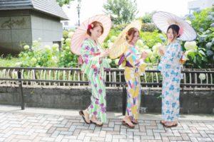 お誕生日のお祝いで のご利用です。女子会で楽しく、浴衣を着て浅草散策です。#日本 の#浴衣 は涼しげで可愛いですね😘沢山お写真を撮って思い出を沢山作って下さいね\(^o^)/ 慶祝朋友生日一同來體驗和服,女子聚會穿著浴衣逛淺草,日本的浴衣非常涼爽並非常可愛哦! 請務必拍很多的照片留下美好回憶哦!