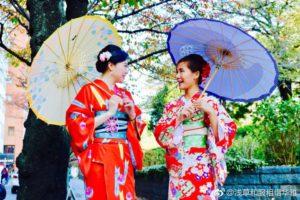 來自台灣的客人們,第2次來本店體驗,跟朋友一同來淺草觀光,都選日式傳統的和服,非常適合兩位喔
