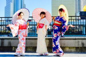 海外からお越しのお客様です✨。 上品なお着物を選んで頂きました❤️ 日本の伝統体験をありがとうございます😊。楽しんで下さいね🎵  来自海外的客人👘。选择了十分优雅的和服,谢谢你们体验日本传统的和服哦,希望你们在日本玩的开心哦✨✨……