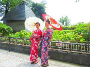 海外からのお客様です\(^_^)/日本の伝統的な暖色系の浴衣をお選び頂きました!とてもお似合いで、素敵です~浴衣体験ありがとうございます(*^ー^)ノ♪