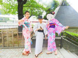 香港からのお客様です\(^_^)/日本伝統の華やかな浴衣をお選び頂きました!ピンクとグレーの浴衣がとてもお似合いです~浅草散策楽しんで下さいね(*^ー^)ノ♪