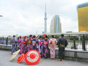 台湾からのお客様です\(^_^)/日本伝統な浴衣をお選び頂きました~皆さん艶やかでとても素敵です(*^ー^)ノ♪浴衣体験ありがとうございます!またいらして下さいね❤