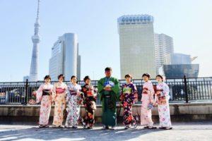 台湾からお越しのお客様です😊皆様お似合いのお着物をお選び頂き、浅草観光にお出掛けです。