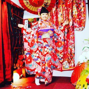 台湾からお越しのお客様です️ 豪華な本振袖をお選び頂きました❣️❣️ 伝統的な和服体験でとても記念になりますね(*^◯^*)お似合いです💕  来自台湾的客人。 租了豪华的和服振袖❣️❣️。 谢谢您来体验传统的和服哦。特别漂亮