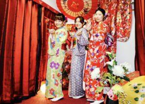 韓国からお越しのお客様をお連れ頂き皆様で着物で浅草散策です(*^^*)❤️  麻の葉模様や、花柄の伝統的な和柄のお着物をお選び頂きました!とても可愛いですね😍💕食べ歩き、仲見世散策楽しんで下さいね🎵    來自韓國的朋友一同來體驗和服❤️選擇麻葉的花樣以及傳統花樣的和服,非常可愛喔!希望你們在淺草仲見世逛的開心❤️