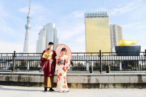 台湾からお越しのお客様です❤️ 当日プランをご利用頂きました👘✨ 椿の柄が可愛らしいお着物と紳士の和服をお選び頂き伝統的な和服体験です👘 浅草観光楽しんで下さいね🎵  來自台灣的客人們,利用當天的優惠方案喔!選擇山茶花樣可愛的和服及高雅紳士風度的傳統和服體驗,祝您們在淺草觀光的開心❤️