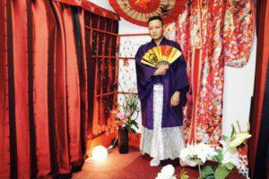 成人式 に 袴 をご利用のお客様です!! 紫色 の 着物 に袴を合わせてとてもお似合いです😊  楽しんできてくださいね🎵おめでとうございます㊗️🎊  參加成人式搭配袴服體驗,選擇紫色的和服搭配袴服,非常適合您喔!祝您玩的開心❤️恭喜你了!