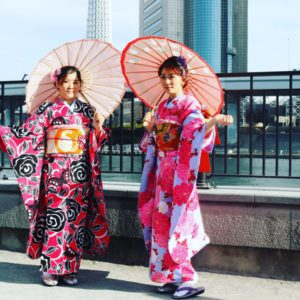 台湾からお越しのお客様です😊カジュアル振袖プランをご利用頂きました💕お二方共素敵です!! 來自台灣的客人們,選擇體驗振袖和服,很適合兩位喔