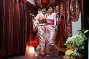 来自海外的客人。选择了傳統花色的和服十分可爱。