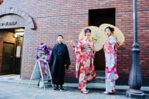 日本旅行にお越しのお客様✨です。HKT宮脇咲良さんご着用の本振袖をお選び頂きました。ヘアースタイルも当美容師がお仕上げしてます。😍とてもお似合いで可愛いです💕 來日本旅遊的客人,選擇HKT偶像團體人氣成員的宮脇咲良小姐穿過的兩件振袖和服❤️髮型也是本店專業美容師之手,非常適合各位非常可愛呢!