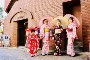 海外からお越しのお客様です😊お子様は、 振袖 を大人女子は艶やかお 着物 をお選び頂きました。 日本旅行 で 浅草観光 を楽しんで頂きました。ありがとうございます😊👘✨✨✨🌸 來自海外的客人,小朋友選擇俏麗的振袖和服,謝謝您,祝您們在日本旅遊時、在淺草觀光愉快喔!