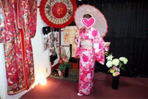 香港からお越しのお客様です。可愛いお着物をお選び頂きました^_^浅草観光楽しんで下さいね(^∇^) 來自香港的客人唷,選擇了非常可愛的和服,很有春天的感覺唷!!祝福您們淺草觀光愉快!