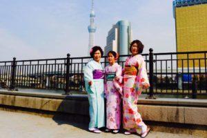 台湾からお越しのお客様です(^ ^)和服体験ありがとうございます。とてもお似合いで素敵です(^ ^)浅草観光楽しんで下さいね(^∇^) 來自台灣的客人,大家都選了春天風格的和服,非常適合您們。祝福您們淺草觀光愉快❤️