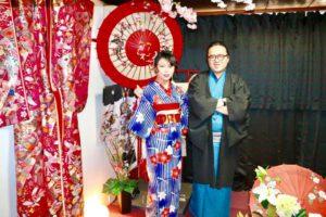 香港からお越しのお客様です😊和服体験ありがとうございます、花柄のお着物と紳士のお着物をお選び頂きました(^∇^)お二方共とてもお似合いで可愛いですね💕浅草観光楽しんで下さいね♪ 來自香港的客人,謝謝您們體驗本店的和服,和服花紋顏色都很適合您們,祝福您們在淺草觀光愉快!❤️