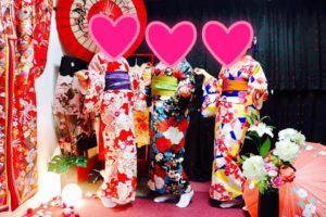 海外からのお客様です。桜お花見にお着物でお出かけ頂きました。ありがとうございます^_^皆様とてもお似合いで可愛いです。 來自海外的客人,客人選擇了色彩豔麗的和服唷,都很適合您們,祝福您們在淺草賞櫻愉快。